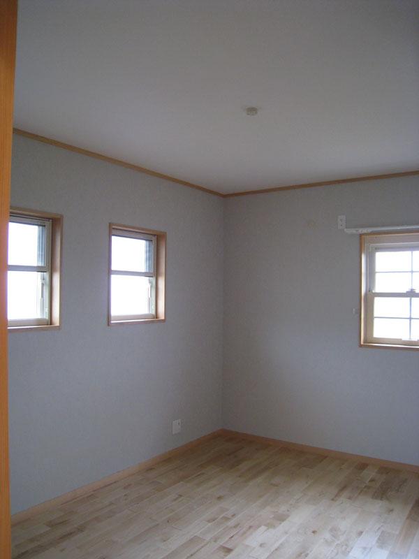 間仕切りや建具を減らし、広々とした空間を実現