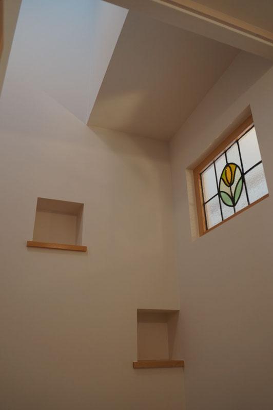 ナチュラルでかわいらしい雰囲気を持つ洋風住宅